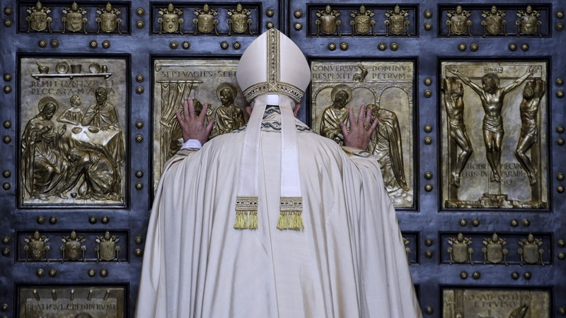Pope opens Holy Door to launch Jubilee