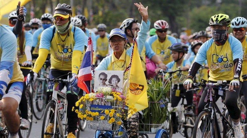 Mass cycling in Thailand masks crackdown