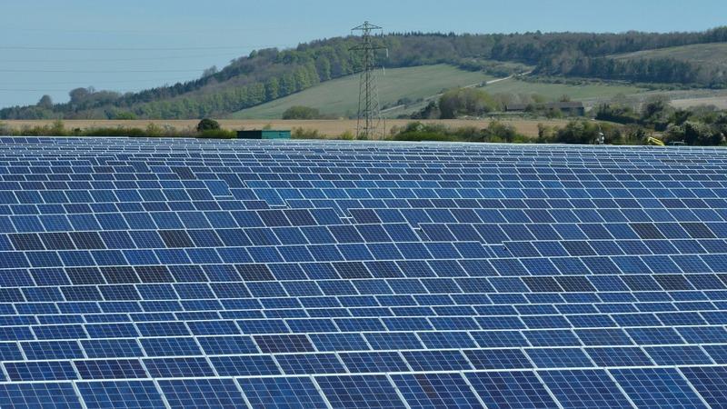 UK solar subsidies cut, despite climate deal