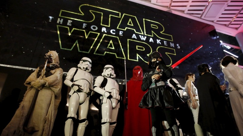 'Star Wars' breaks records at the box office