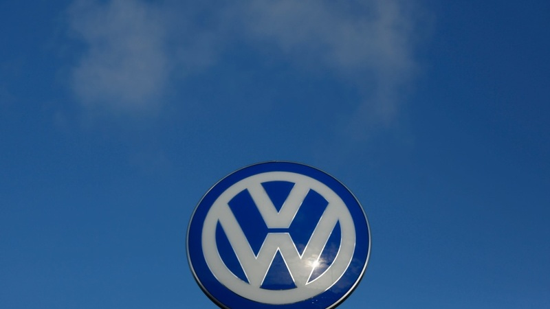 VW may rotate top jobs in oversight push