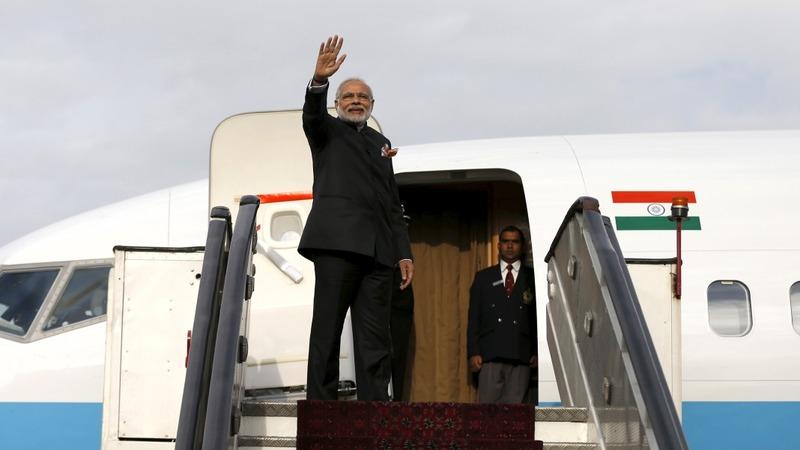 India's Modi make a surprise stop in Pakistan