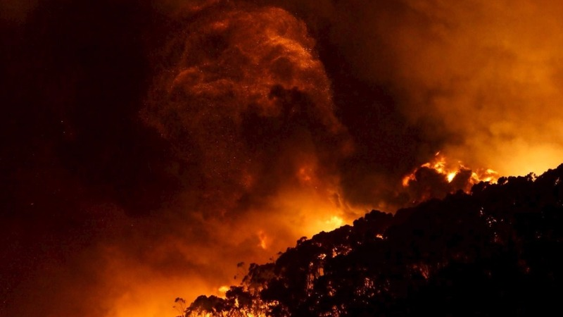 Christmas bushfire destroys Australia homes