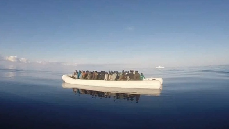 Refugee boat rescue on Christmas Eve