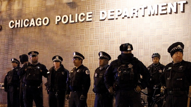 Chicago police officer kills a black man and woman