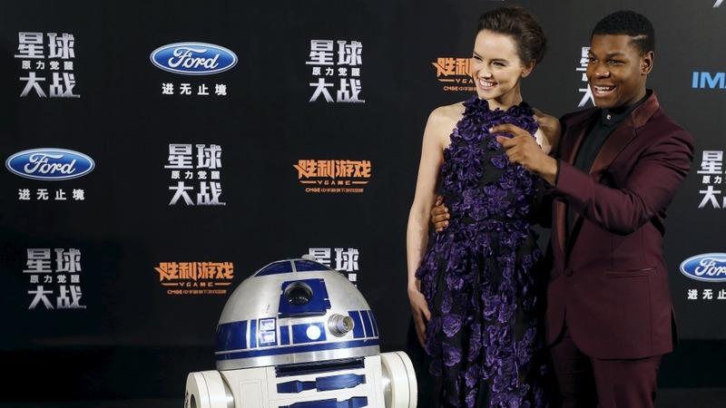 Star Wars set to surpass 'Avatar' record