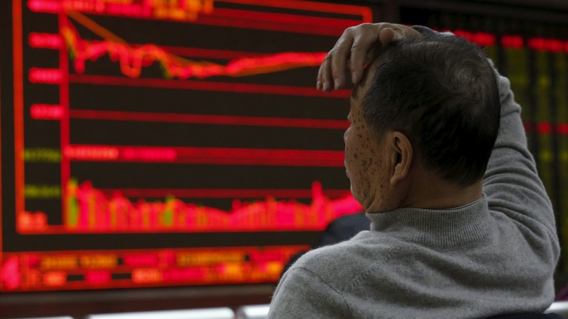 China markets tank as 2016 trade begins