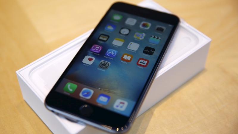 Apple to cut production on latest iPhones
