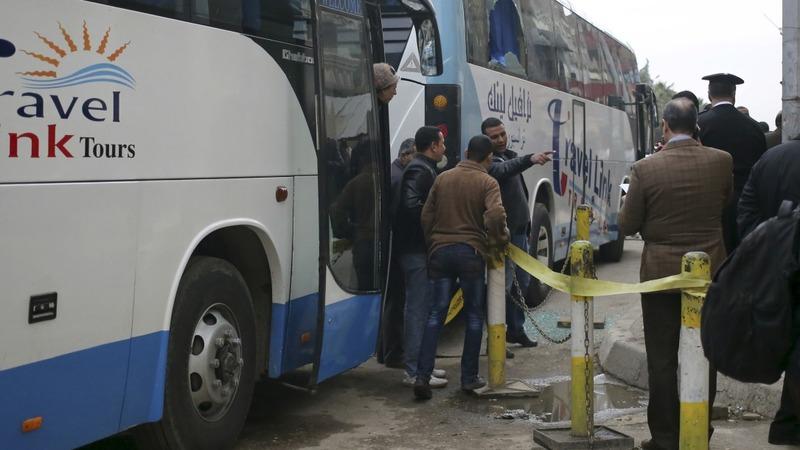 Gunmen fire at Israeli tourists in Cairo