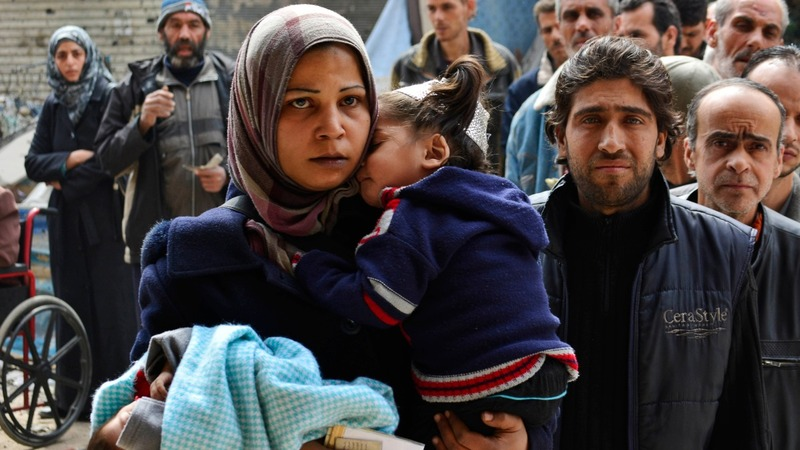 UN aims to get aid to starving Syrians