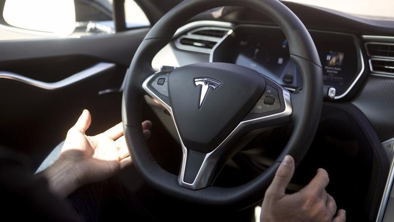 Tesla curbs autopilot function