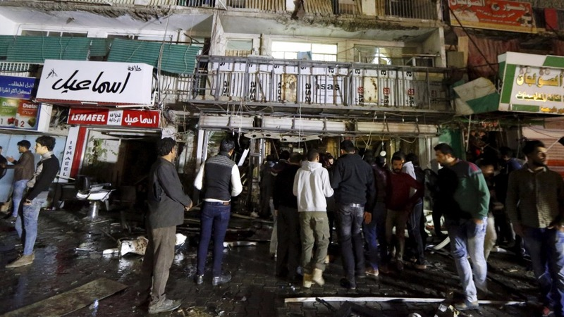 IS gunmen attack mall in Baghdad