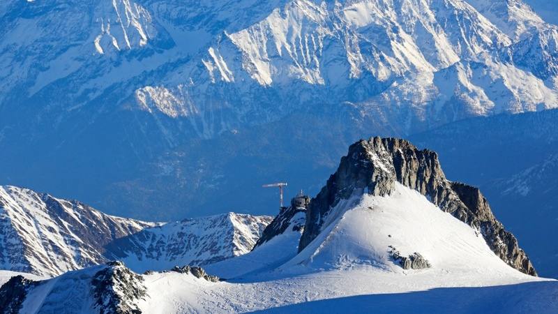Deadly Alps avalanche hits schoolchildren