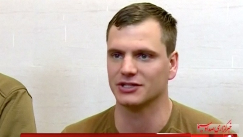 Detained U.S. soldier apologizes to Iran