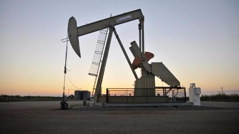New oil price dip rocks stocks, central banks