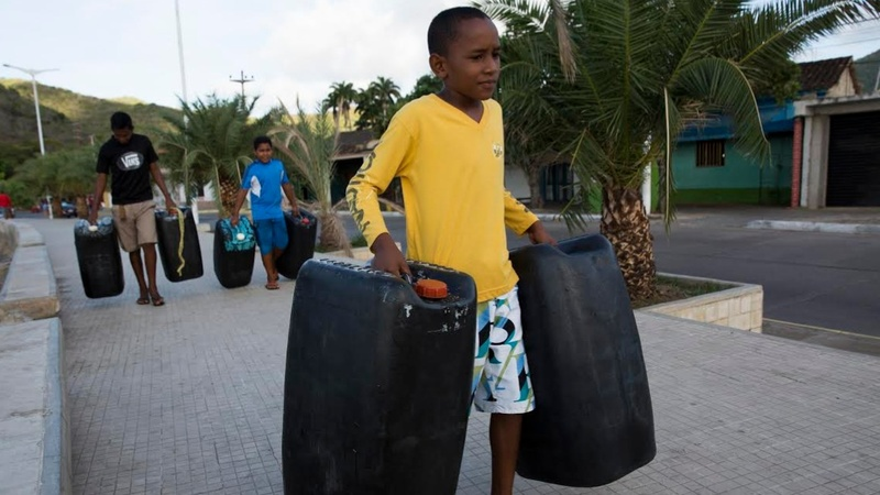 Smuggling soars as Venezuela's economy sinks