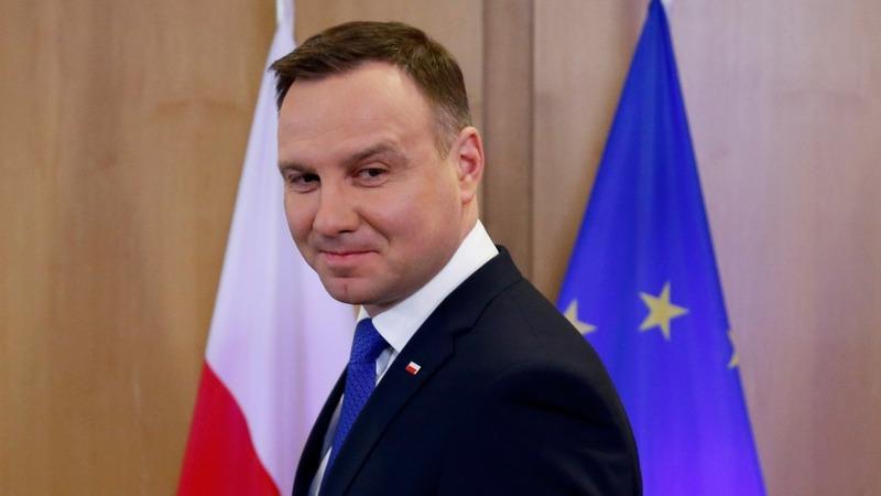 EU piles pressure on Poland