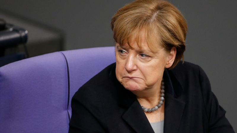 Refugees wreck Merkel's popularity rating