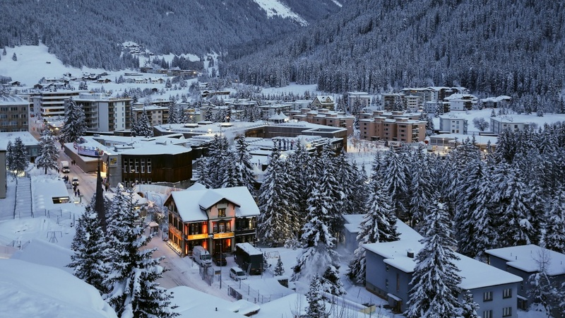 Dimming global outlook casts shadow on Davos