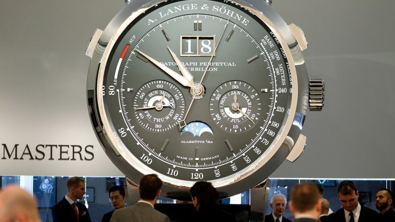 Luxury watchmakers struggle after tough 2015