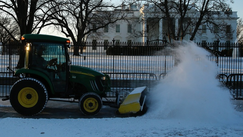 Snow storm poised to wallop Northeastern U.S.