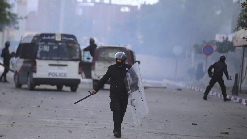 Curfew in Tunisia after violent job protests