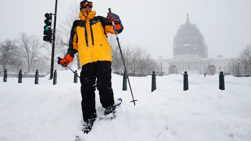 Deadly blizzard blankets Northeast U.S.