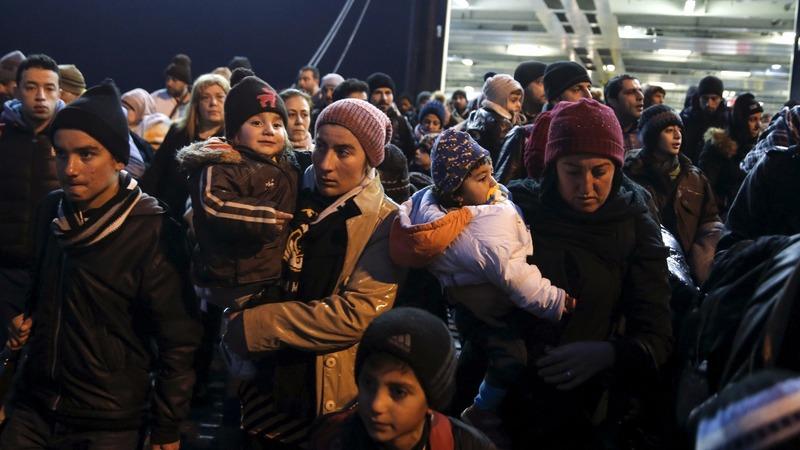 EU threatens Greece over 'neglected' borders