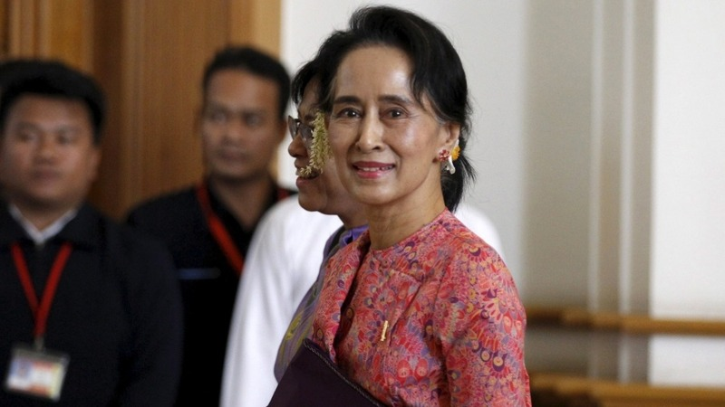Suu Kyi allies sworn into Myanmar parliament