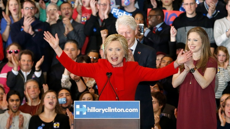 Clinton edges out Sanders in Iowa