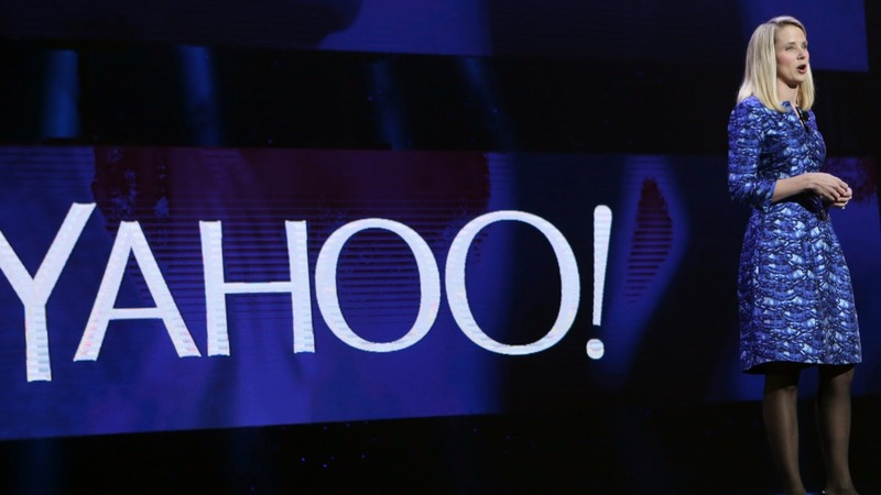 Yahoo to cut jobs, trim losses