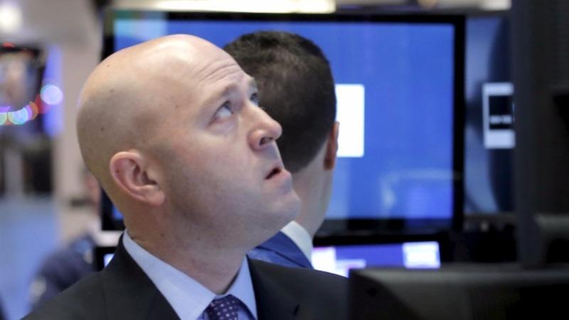 Tech stocks crunched on sour earnings season