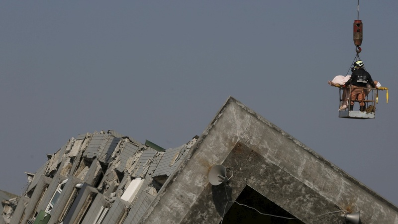 Scores still trapped after Taiwan quake