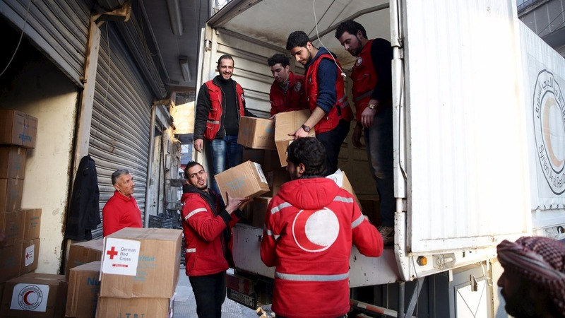 Syrian towns await promised aid convoys