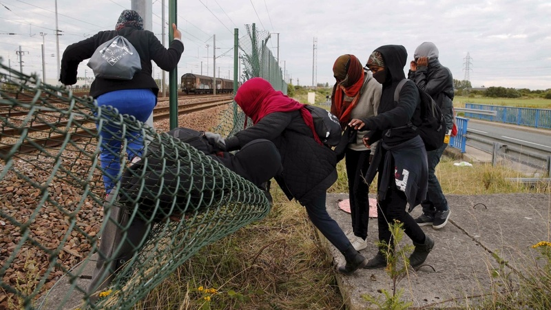 Eurotunnel demand pay over migrant crisis