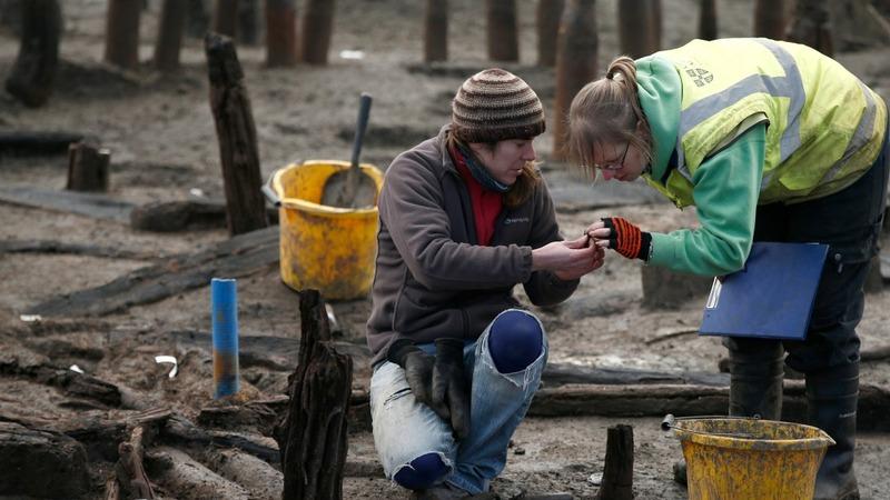 Bronze Age wheel found at 'Britain's Pompeii'