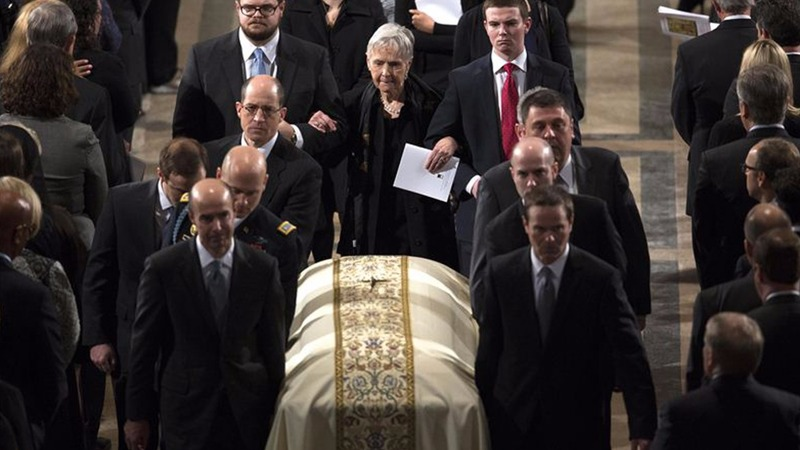 Supreme Court battle pauses for Scalia funeral