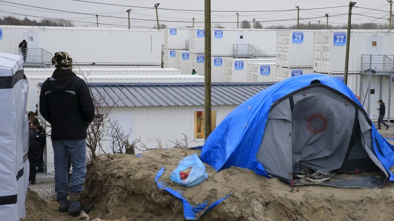 Migrants wait to learn Calais fate
