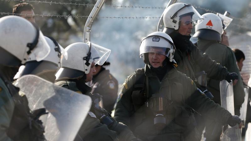 Macedonia deports migrants back to Greece