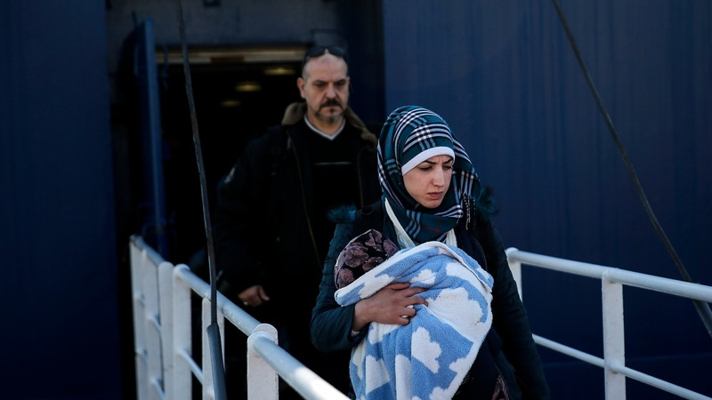 Migrants trapped at Greece's main port