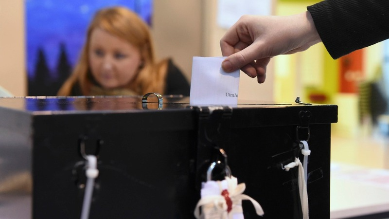 Ireland votes in knife-edge election