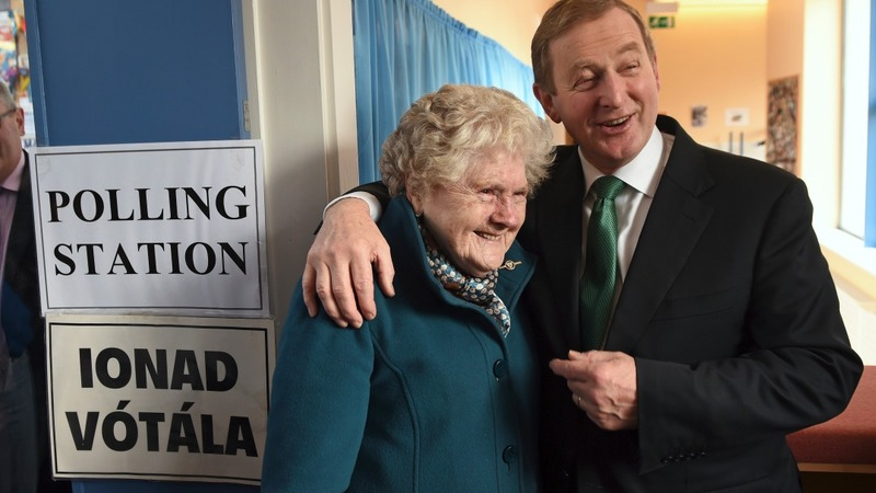 PM votes in Ireland's 'knife edge' election