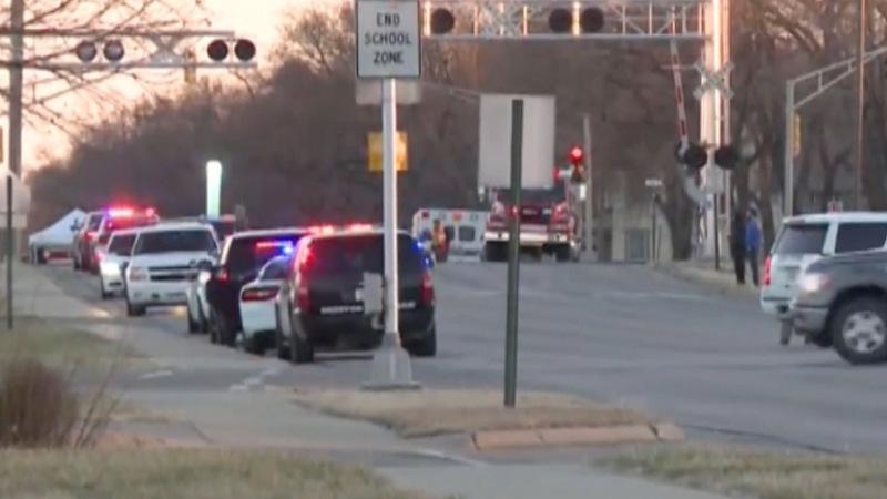 Kansas cop called 'hero' for halting killing spree