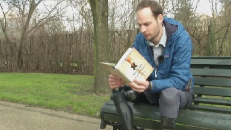 Soldier's novel relives war through objects