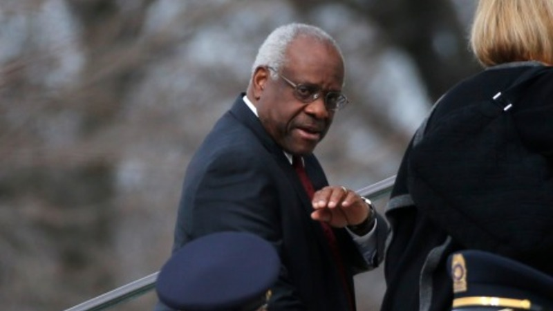 Justice Thomas breaks 10-year silence