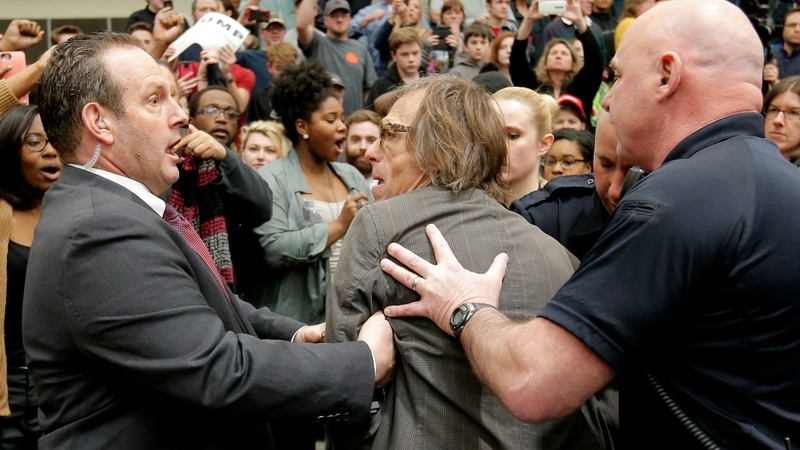 Secret Service investigating scuffle with photographer