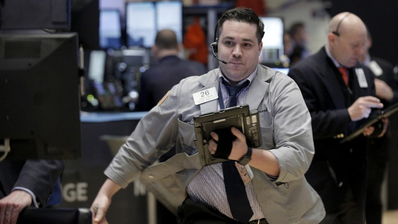 Dow, S&P 500 turn positive for 2016