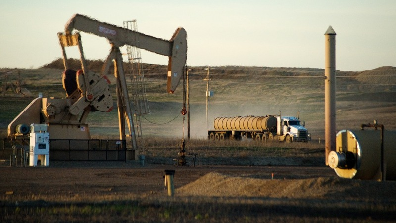 Energy execs avoid pain of oil price rout