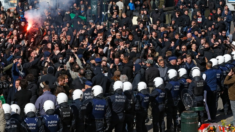 Brussels police break up protest