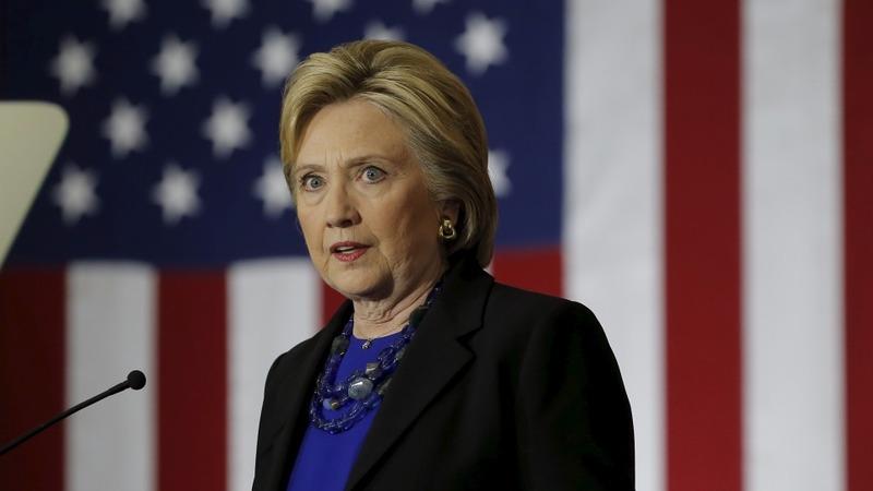 Clinton pushes back at Sanders 'surge'